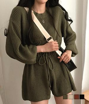 Knitwear jumpsuit with a nostalgic charm