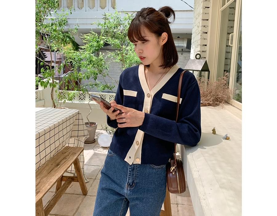 Gold Button Line Color Knitwear Cardigan