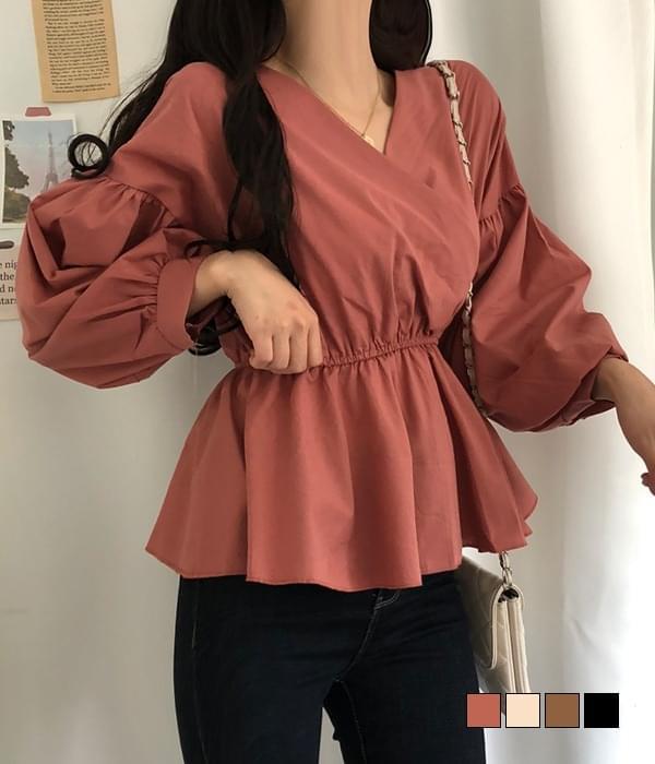 Vivaldi flared banding blouse
