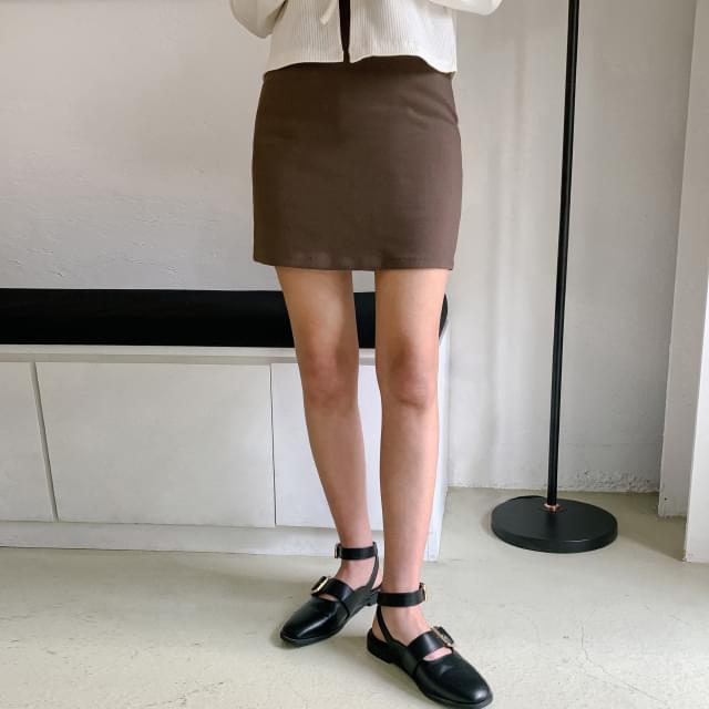 Simple H line mini skirt