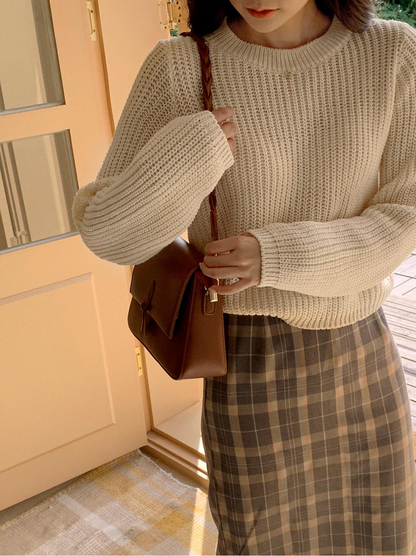 Round Crop Hatch Knitwear