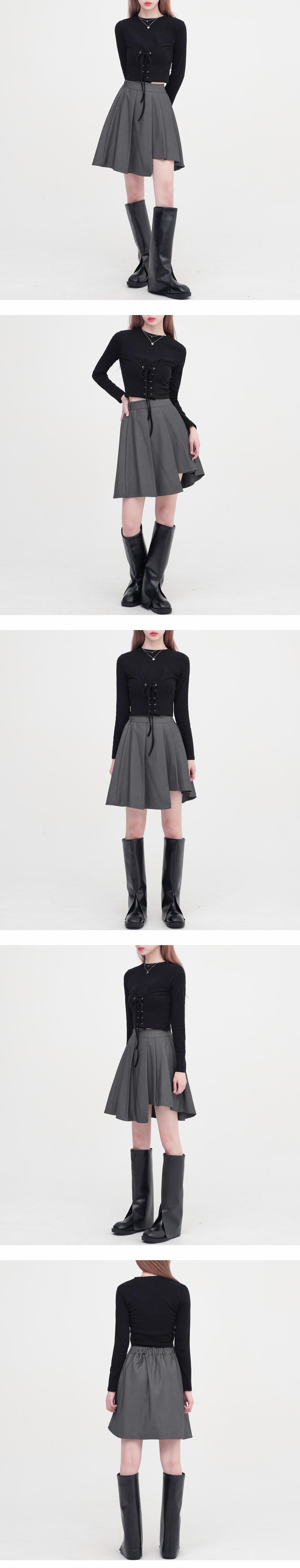 noir unbalance pleated skirt