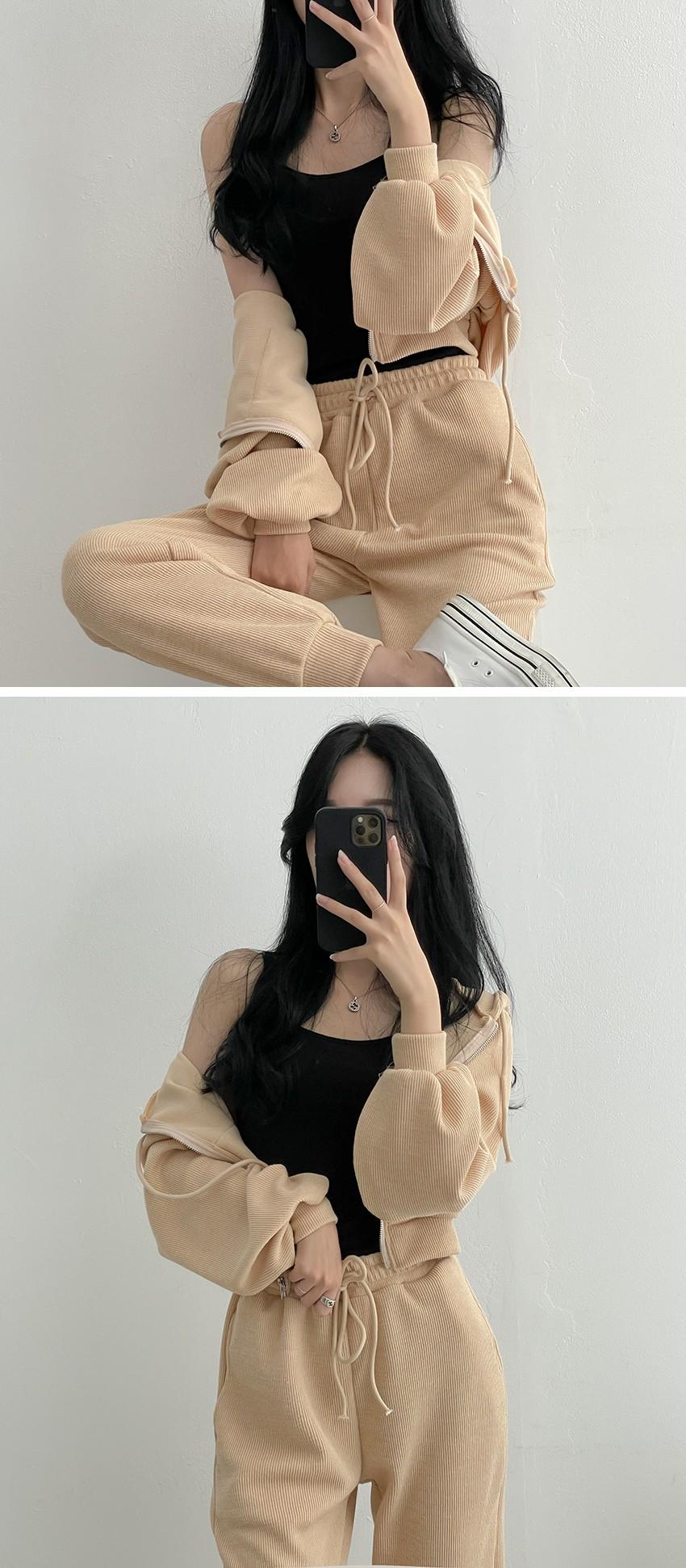 Kuanku Hachi Pocket Kangaroo Hood Zip-Up