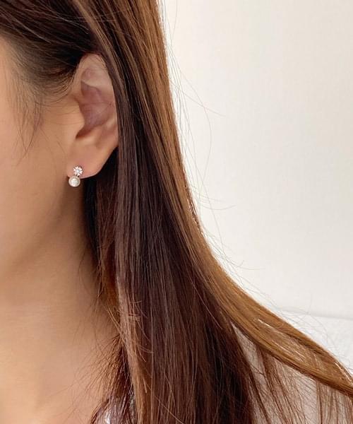 daily ball earring