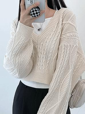 Fisher V-Neck Twisted Crop Knitwear