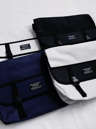 out messenger bag
