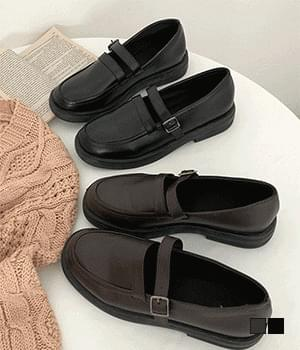 round nose strap loafers