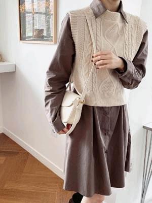 Cream Twisted Knitwear