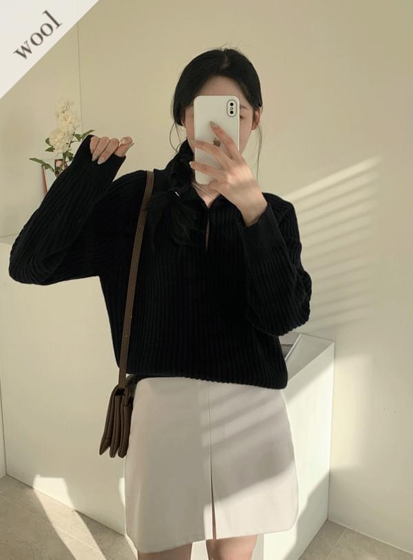 Buckle Collar Wool Knitwear