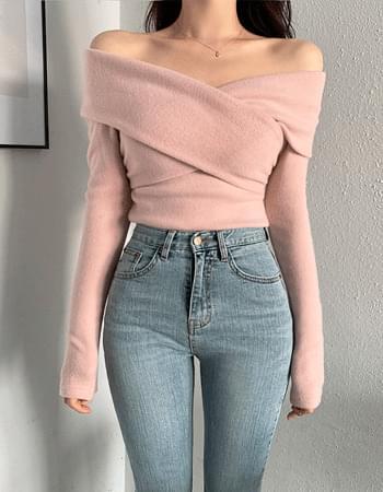 Soft Fleece-lined Twisted Off Shoulder T-shirt