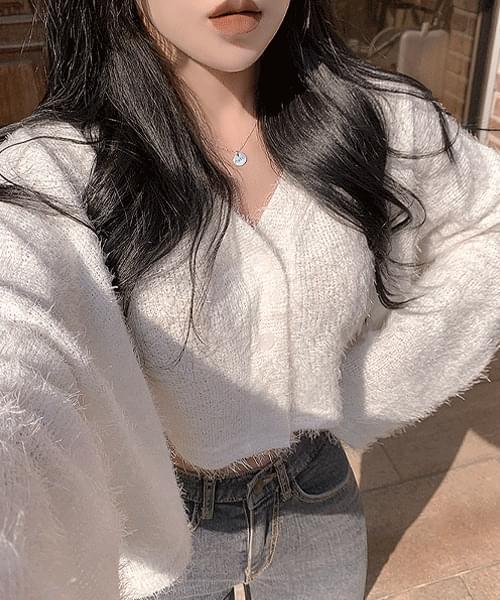 Loco V-Neck Stingray Fit Crop Knitwear Long Sleeve Cardigan
