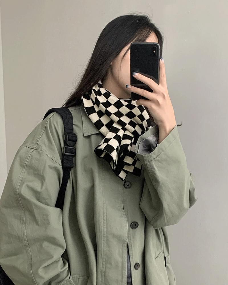 Ola Checkerboard Knitwear Shawl Muffler