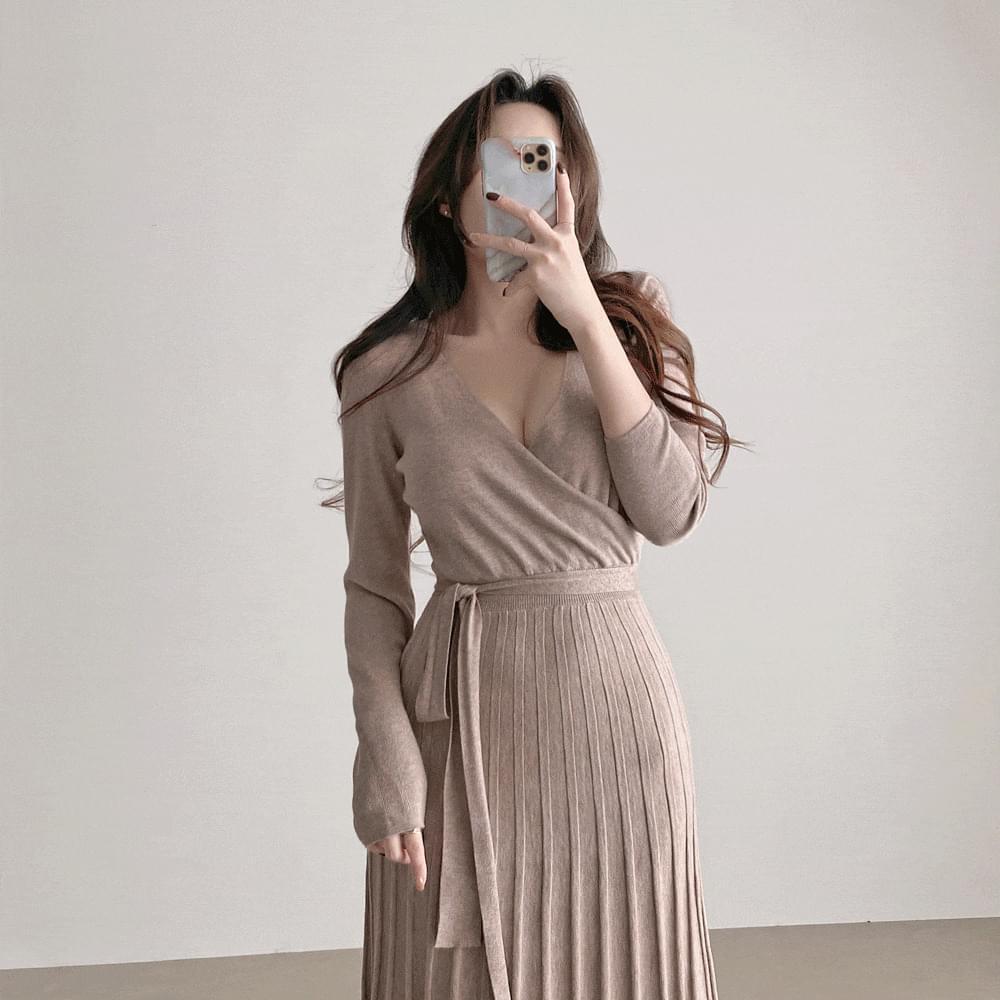 Slim Fit V-Neck Belt Wrap Knitwear Pleated Dress 2color