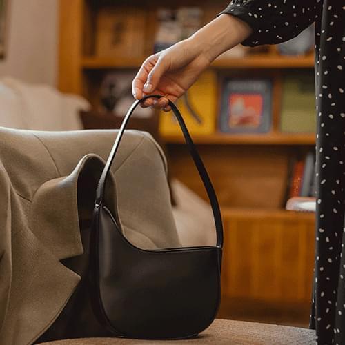 pale shoulder bag