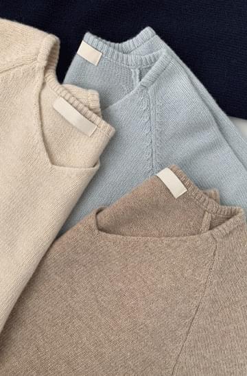 Fine Wool V Neck Knitwear