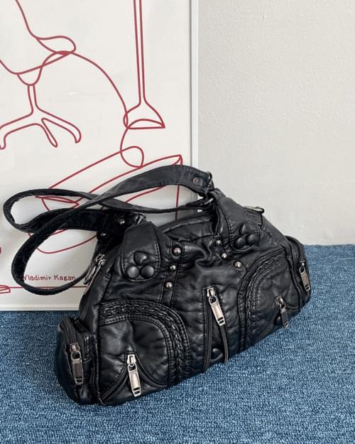 Orb Vintage Heart Leather Shoulder Bag
