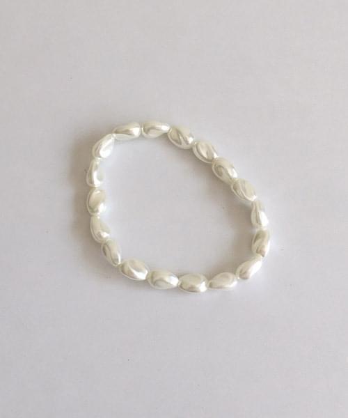 twist pearl bracelet