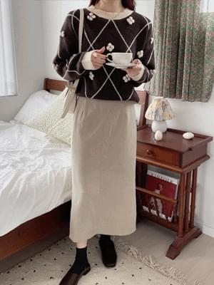 Laha back slit skirt