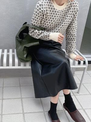 Movable Knitwear