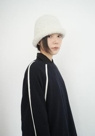 pot boucle knit hat
