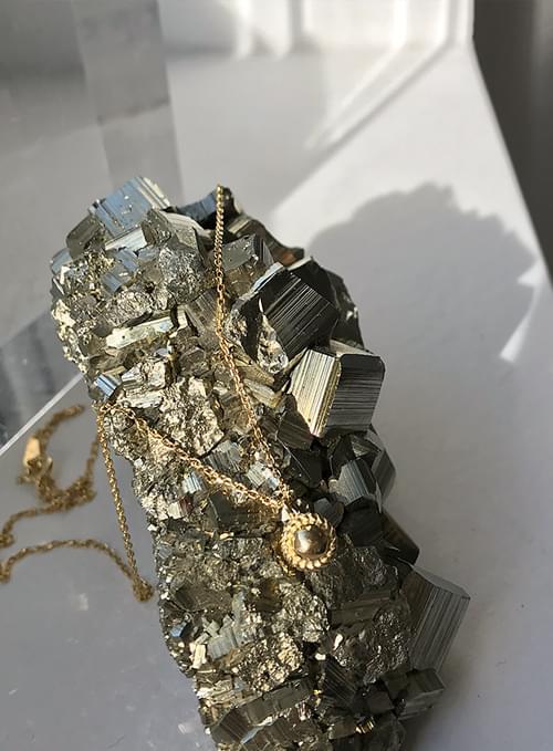 amour antique gold necklace