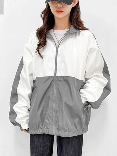 Clean color matching windbreaker Jacket