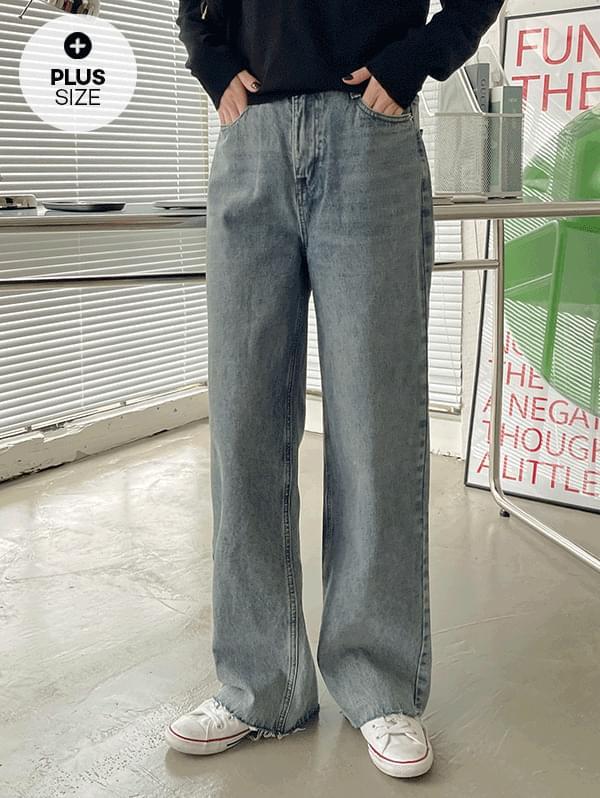 Wide cut denim pants with good feeling back banding