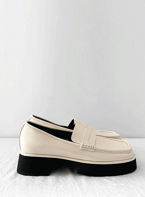 Basic Bowl Whole Heel Loafers