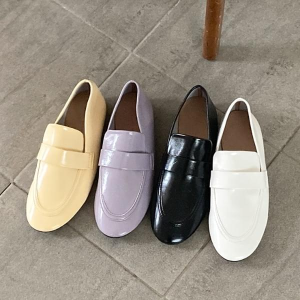 Munches leather loafers