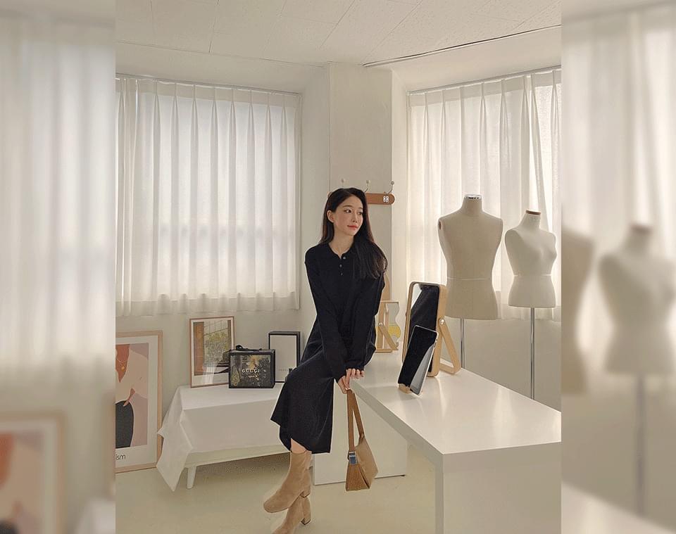 Open-Nin Knitwear Open Collar Button Long Dress 连身裙