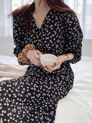 Daisy V Dress