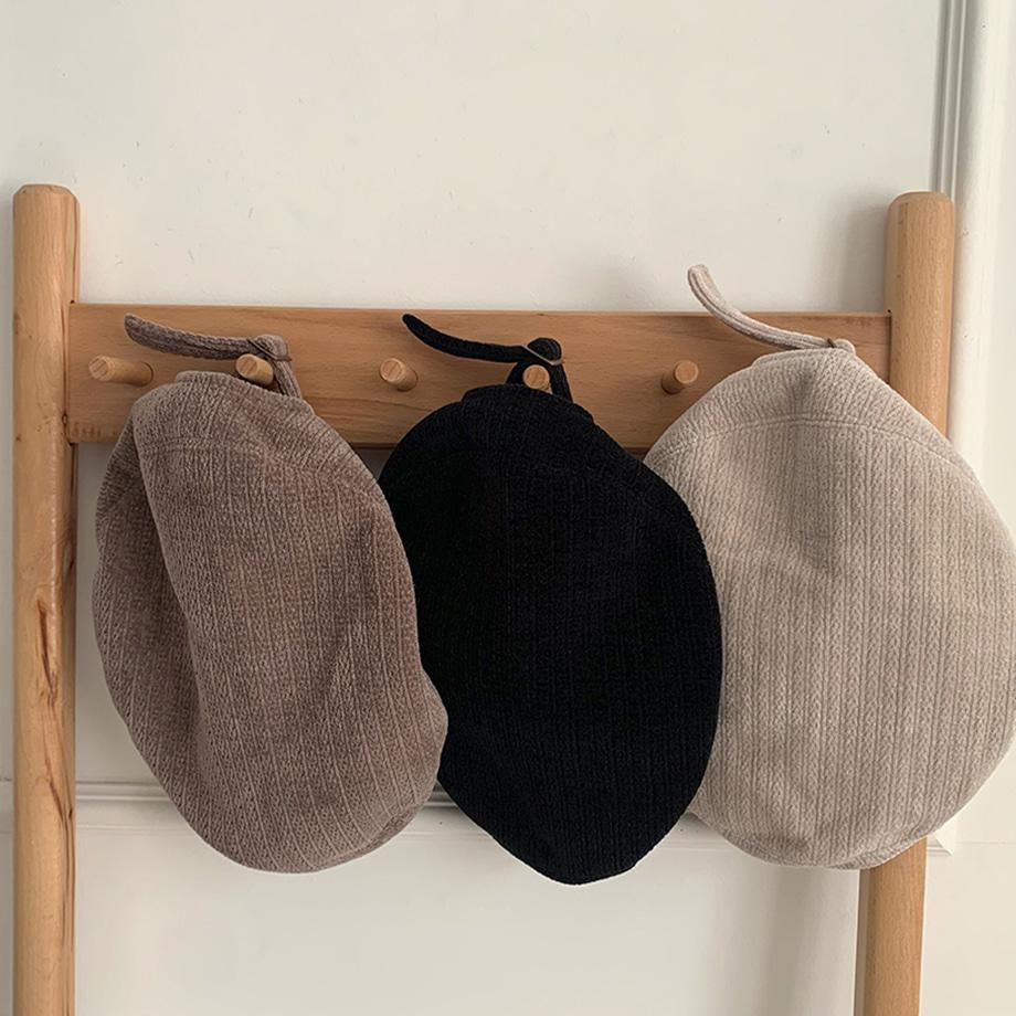 Ribbed corduroy ribbed beret