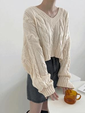 King Twisted Crop V-Neck Knitwear