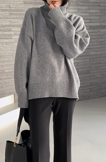 Lambswool Loose-fit Turtleneck Knitwear