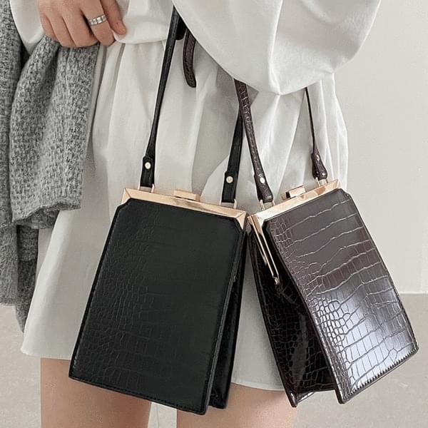 Crocker Cross & Shoulder Bag