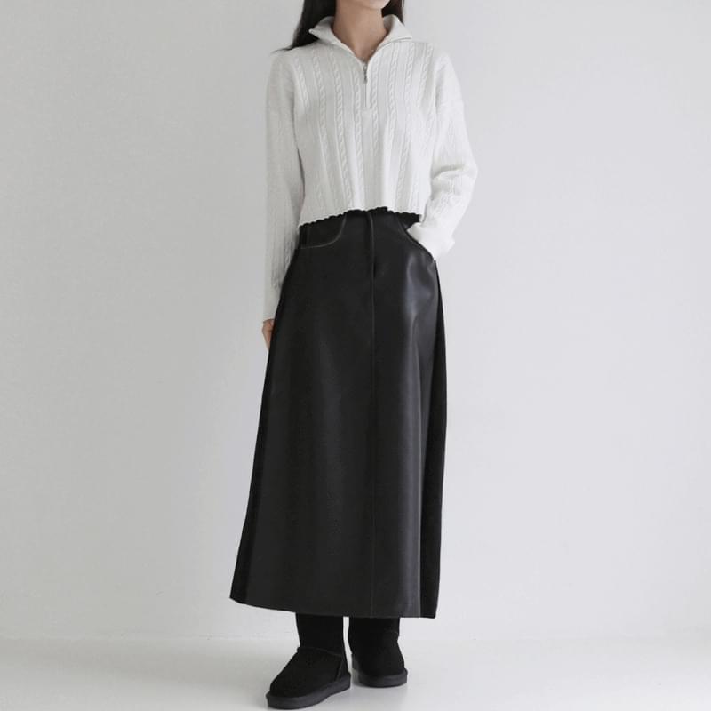 Cami Twisted Crop Knitwear