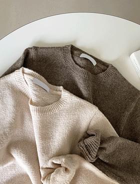 Omija Round Knitwear