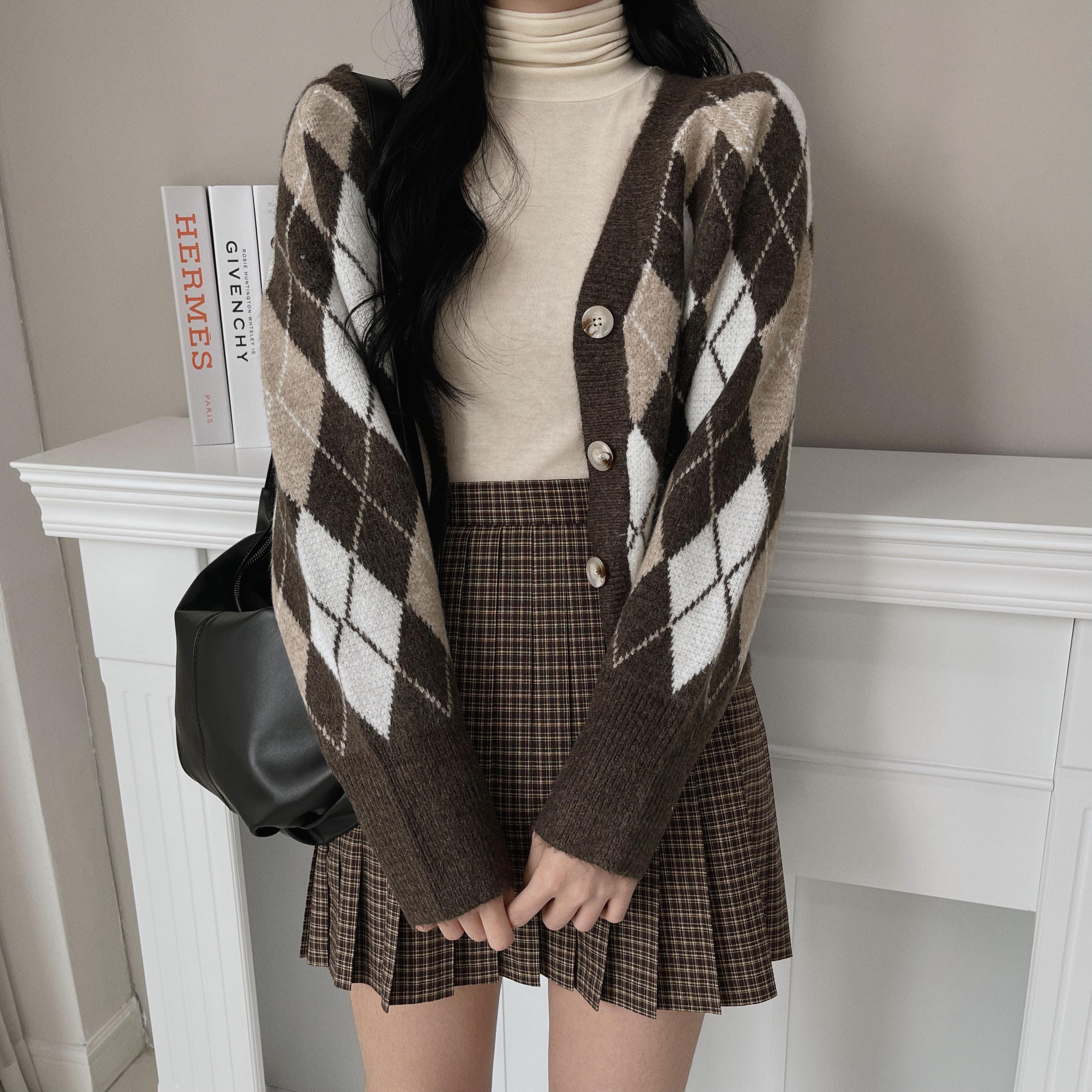 Classic Argyle Knitwear V-Neck Cardigan