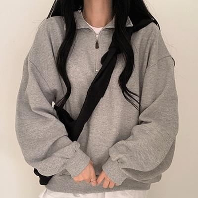 Half zip-up collar Sweatshirt