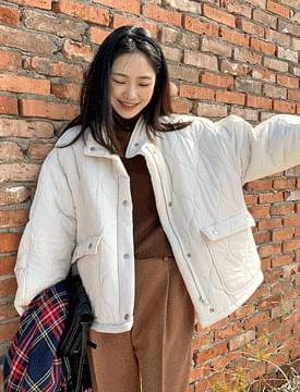 Cozy high-neck quilted Jacket
