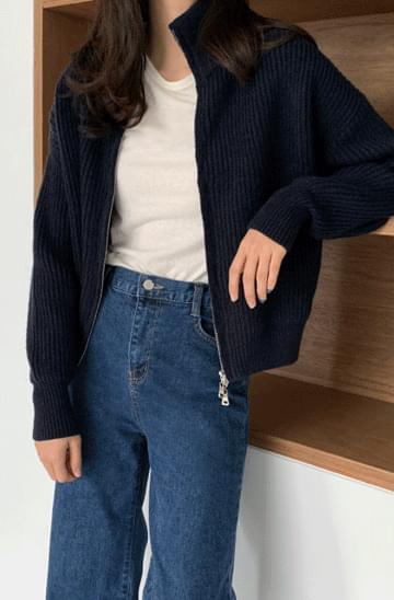 Soft Semi-Crop Wool Knitwear Zip-Up