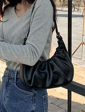 Wrinkle Boat Line Leather Shoulder Bag