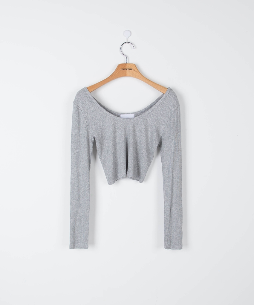 ESSAYSlim Fit Cropped T-Shirt