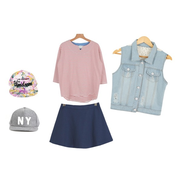 Rough & Detail back embroidery denim, vest ,daily monday Margarine stripe t-shirt,YOU & ME Story flare skirt등을 매치한 코디