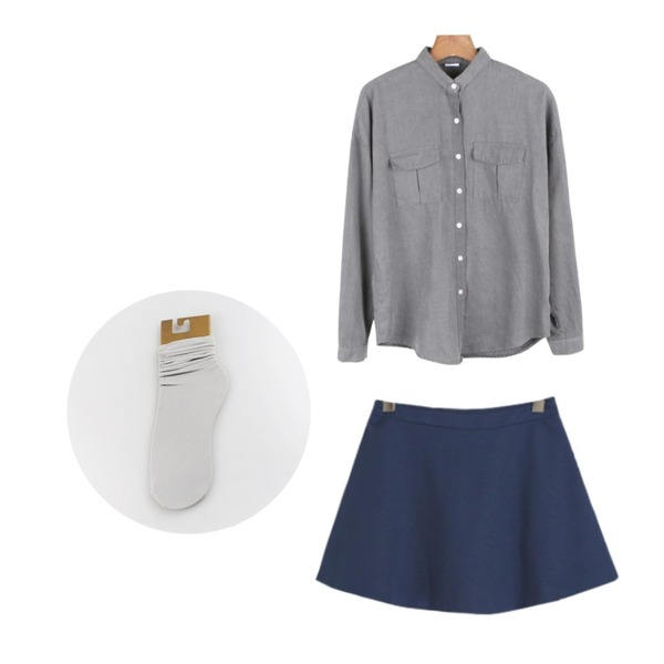 daily monday Both side pocket shirt,YOU & ME Story flare skirt,daily monday Stylish fashion socks[삭스,양말,패션양말]등을 매치한 코디