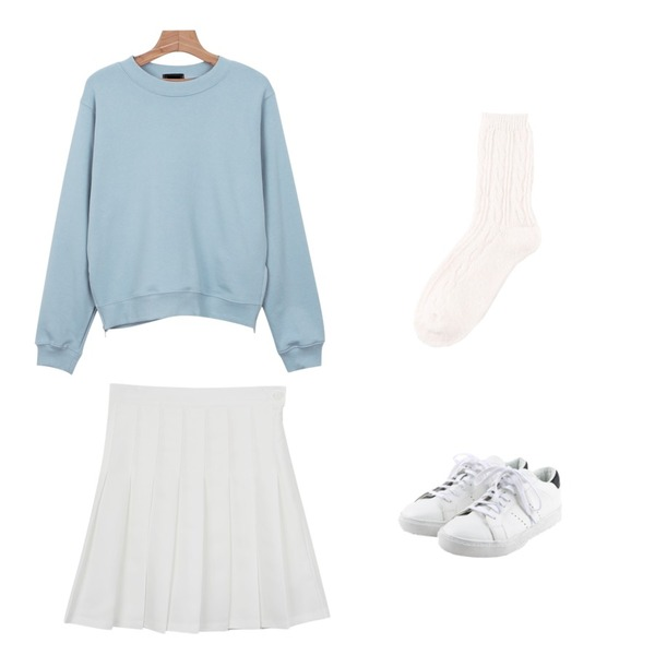 daily monday Simple back point sneakers,daily monday Spring pleats skirt,daily monday Colours spring zipper mtm등을 매치한 코디