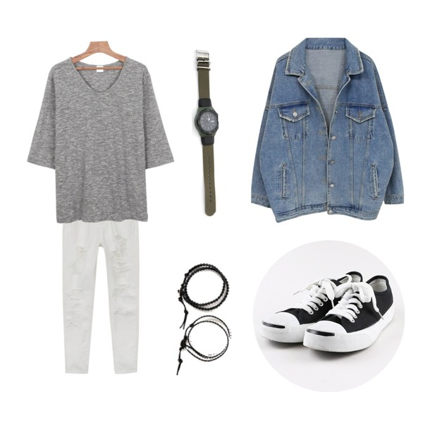 daily monday At home loose fit tee,daily monday Easy smail sneakers,daily monday Natural damage pants등을 매치한 코디