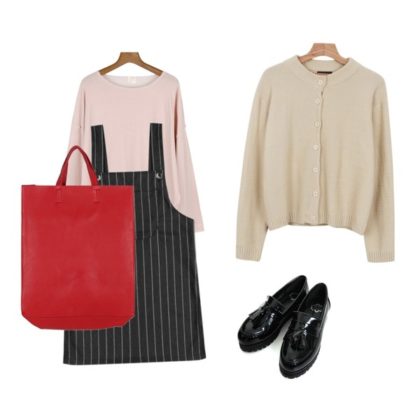 daily monday Vintage mood t-shirt,daily monday Basic smooth cardigan,Rough & Detail bob stripe overalls, sk_charcoal등을 매치한 코디
