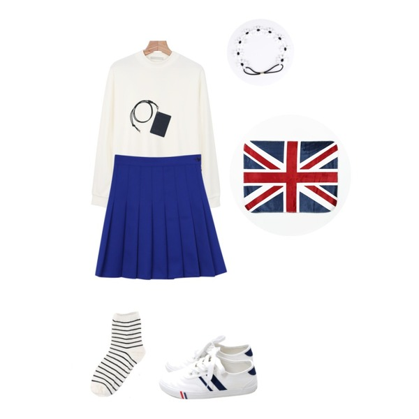 Rough & Detail two oblique line, shoes_white,daily monday Milk very soft tee,daily monday Spring pleats skirt등을 매치한 코디
