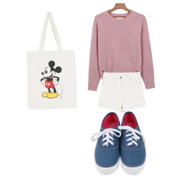 daily monday Disney micky eco bag,daily monday Toy roll-up short pants,daily monday Bright minimal knit등을 매치한 코디
